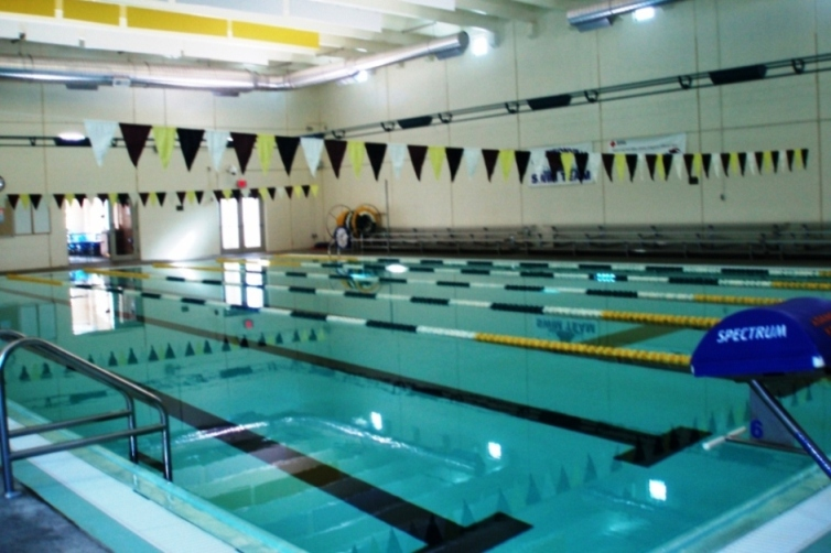 Lap Lanes Pool Features
